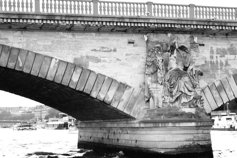 Paris_bridge_3